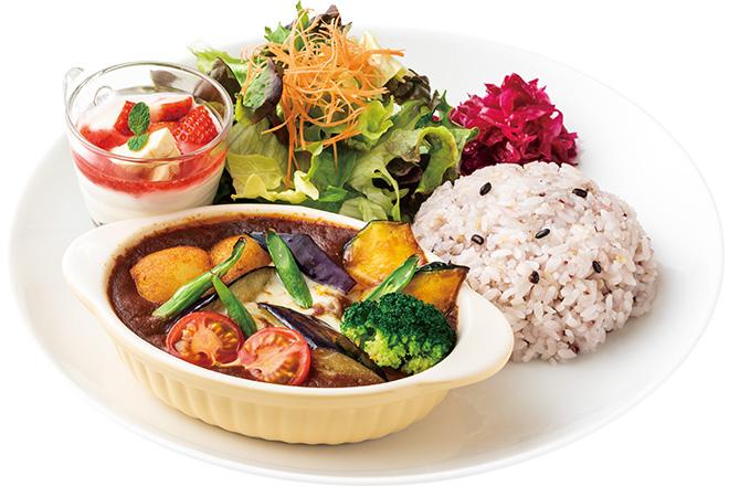 彩り野菜のトマトカレープレート