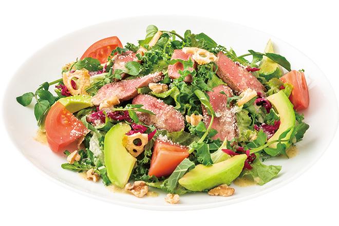 プライムビーフもも肉カットステーキと国産ケールのサラダ